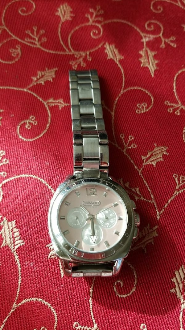 Coach Boyfriend watch with pink dial f2faef10-1da3-4bde-b8f4-f233d70286af