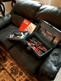 LARGE BOX OF ASSORTED TOOLS Kingston, K7M 6A5