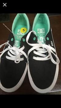 DC shoes for ladies size 5 Bowie, 20715