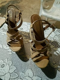 Tan Strapped Wedges Size 9 Bakersfield, 93304