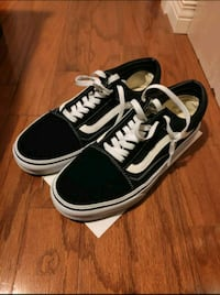 Old Skool Vans Sz 11.5 NEGOTIABLE New Westminster, V3M 3S2