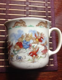 VINTAGE ROYAL DOULTON BUNNYKINS SINGLE HANDED MUG SLEIGH RIDING  Toronto, M5A 2P4