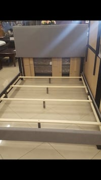 Bed frame (Queen) North Las Vegas, 89030