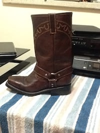 pair of brown leather cowboy boots Mississauga, L5G 3Y7