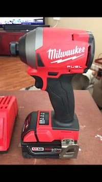 Milwaukee M18 Fuel surge hydraulic 3 speed impact driver kit with 5.0 battery & Charger  Manteca, 95337