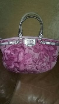 pink and brown Coach monogram tote bag Quincy, 02169