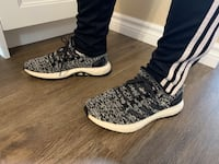 Addidas Pure Boosts size 7 1/2