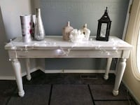 Sofa table or entryway table refinished solid wood Edmonton, T5Y 2S9
