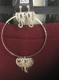 BRAND NEW SILVER ELEPHANT NECKLACE AND EARRING SET Yuma, 85365