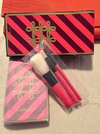 Mac brush and bag set