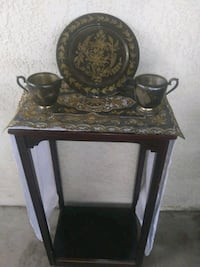 Home decor plate/cups and mantle only