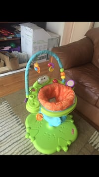 baby's brown and green fisher price exersaucer Gaithersburg, 20877