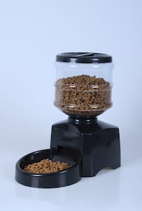 Automatic pet feeder Richmond, V6Y 4K7