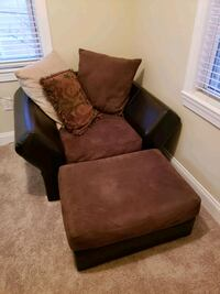 Oversized chair Baltimore, 21214
