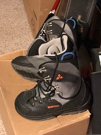 pair of black-and-gray snowboard boots Manchester, 03103