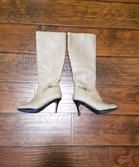 Leather Beige Boots  Toronto, M6A 2W4
