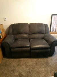 Double Recliner Loveseat & Couch Omaha, 68137