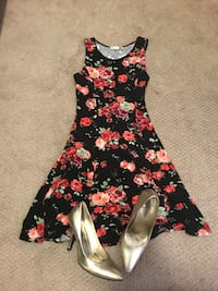 Summer Dress size small and shoes size 7 Toronto, M2J 0A9