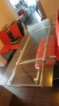 Structube Extendable Dining Table an Chairs Toronto, M8Y 1J6