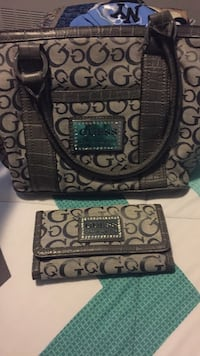 Guess pocketbook with wallet New Rochelle, 10805