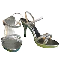 Pair of silver leather open-toe ankle strap heels Maywood, 90270
