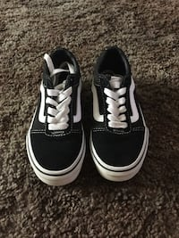 pair of black Vans low-top sneakers Fresno, 93726
