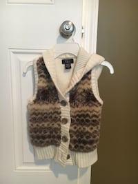 brown and white button-up vest Georgetown, 40324