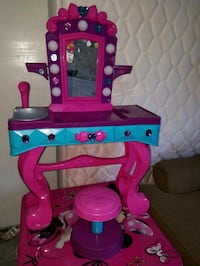 pink and blue vanity table Tampa, 33614