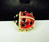 VINTAGE 1980'S RED AND BLACK GOLD TONE LADY BUG BROOCH Manchester