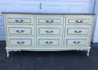 9 drawer French Provincial  832 mi