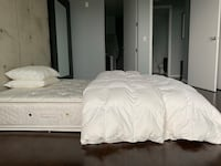 Queen mattress for sale - Free duvet insert and pillows from room and board Chicago, 60611
