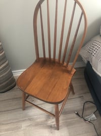 5 pieces of wooden dining chairs Toronto, M6B 2B2