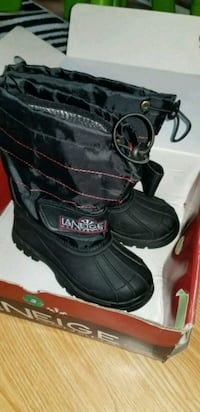 Brand new boys size 2 boots Cambridge