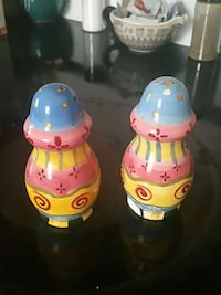 two pink-blue-and-yellow ceramic condiment shaker Spring Hill, 34606