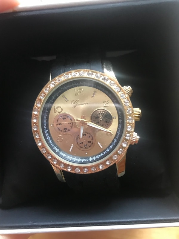 Brand new Geneva rubber watch with gold face