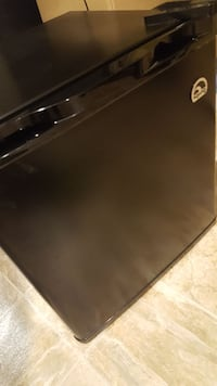 Refrigerator like new perfect for college Clifton, 07013