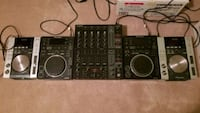 Pioneer CDJ200 and 350 with Behringer DJX750 complete dj setup Toronto, M4M 1Y3