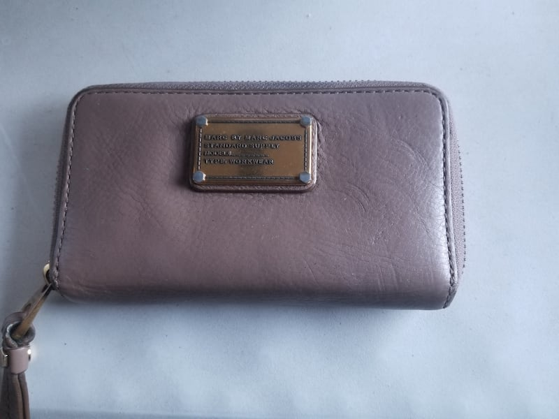 Marc and jacob wallet 3728912f-3361-495c-aced-2ad11bf6420c