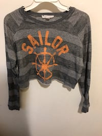 gray and black crew-neck long-sleeved shirt Bakersfield, 93301