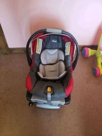 baby's black and red car seat carrier Edinburg, 78542