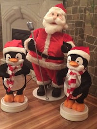 Motion activated Santa, singing Xmas songs and dancing pinguins Richmond Hill, L4C 5T3
