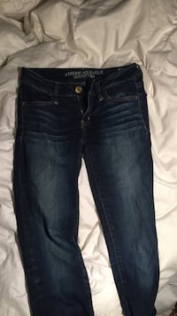 blue washed American Eagle denim fitted heans North Stormont, K0A 1R0
