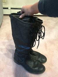 UGG boots size 8 null, T8T 0T7