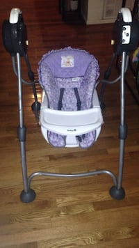 baby's purple and white safety 1st high chair Taylors, 29687