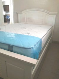 NEW QUEEN MATTRESS AND BOX SPRING INCLUDED  West Palm Beach, 33409