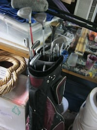 12 GOLF CLUBS WITH BAG Kitchener