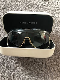 Sunglasses - New Mark Jacobs $37.99 with case. Calgary, T3P