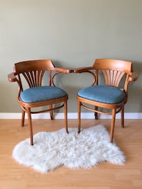 Set of 2 vintage bentwood armchairs Vancouver, V5K 0A4