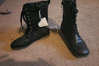 pair of black leather boots Akron, 44312