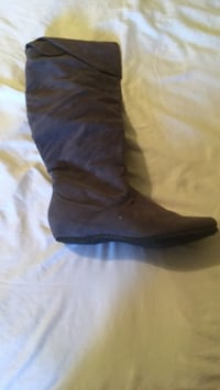 pair of black leather boots Whittier, 90606